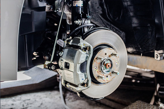 Car mechanics in Dudley providing MOT servicing repairs tyres brakes for cars and vans
